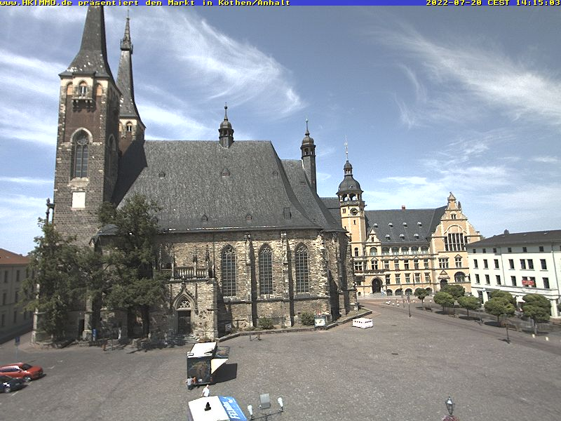 Webcambild der Kirche und des Marktplatzes von Köthen/Anhalt. Aktualisierung jede Minute. Spezielle Handyversion.