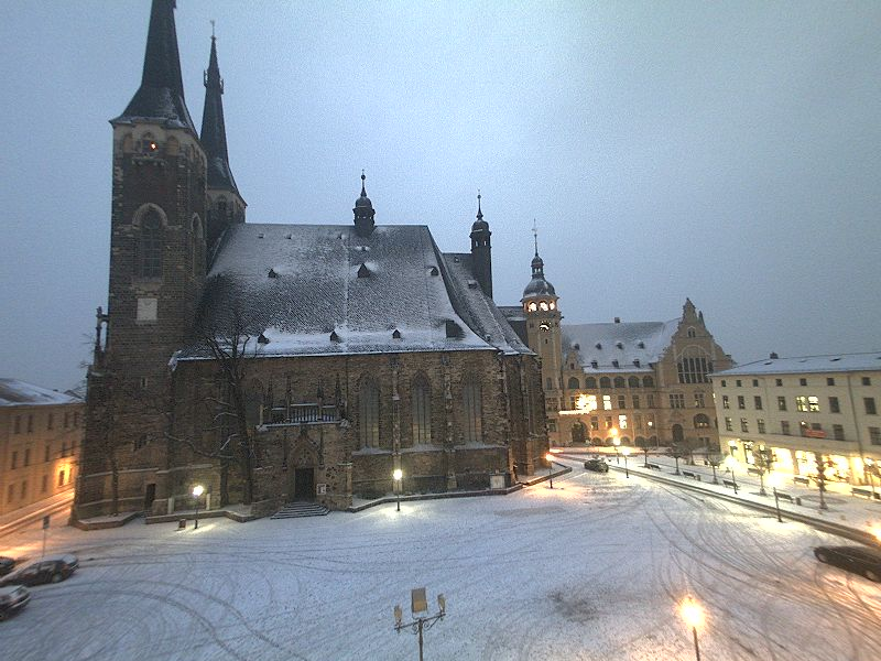 Winter in der Stadt. Der erste Schnee am 04.01.2016