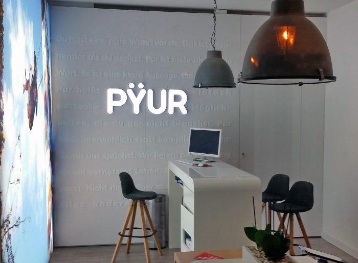 Pyur in Köthen. Das Ladengeschäft für Internet, Fernsehen und Mobilfunk.