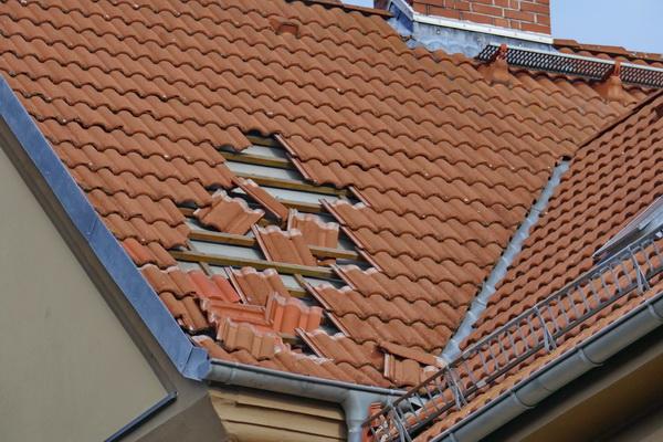 Sturmschaden am Dach in der Friederikenstraße