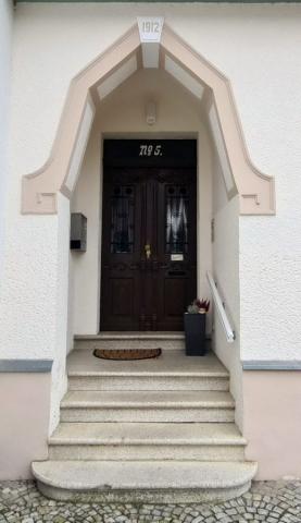 Eingang zur Seniorenwohnanlage Elbaue